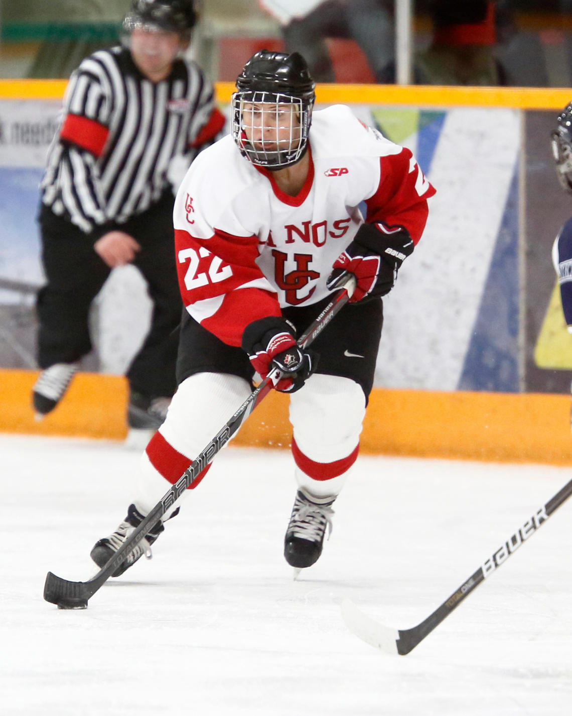 Hayley Wickenheiser played hockey for the UCalgary Dinos during her time as a student.