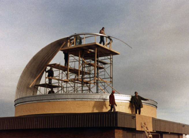 Rothney Astrophysical Observatory — construction of telescope dome, 1971. Built History of the University of Calgary, Archives and Special Collections. File number 7.04, Accession number 2006.025.